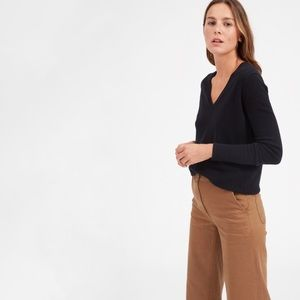 Everlane The Cashmere V-Neck Sweater